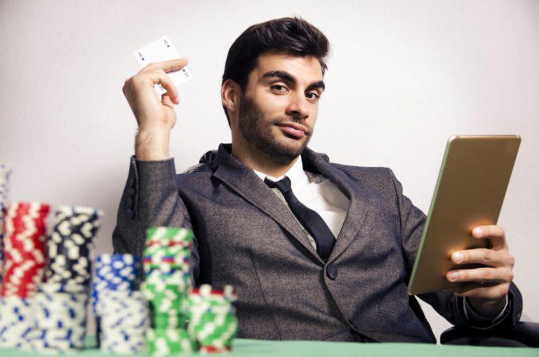 Spil casino på nettet – for pengene og underholdningens skyld